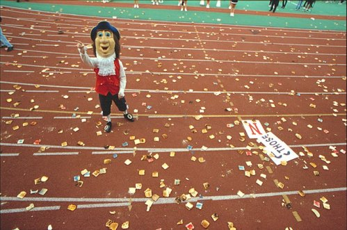 Throwing toast - a Penn tradition,1999, Tommy Leonardi,  photographer