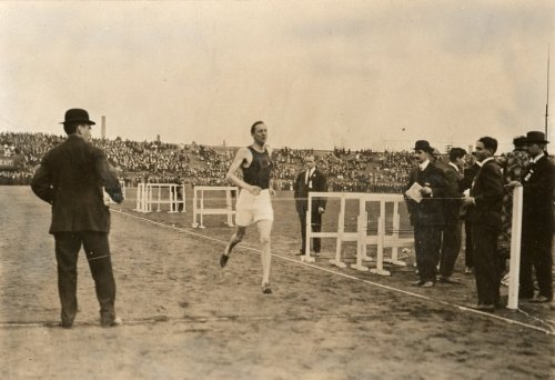 Penn Relays, 1913, 4-mile, George Atwell Richardson, photographer