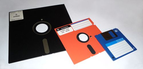8-inch, 5,25-inch, and 3,5-inch floppy disks, image is in the Public Domain