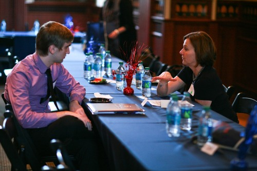 Meet new colleagues and explore new career paths at a Penn Alumni speed-networking event.