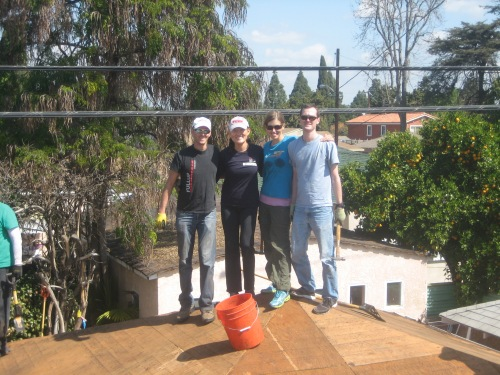 Penn Serves LA volunteers work on a garage roof Habitat for Humanity Los Angeles