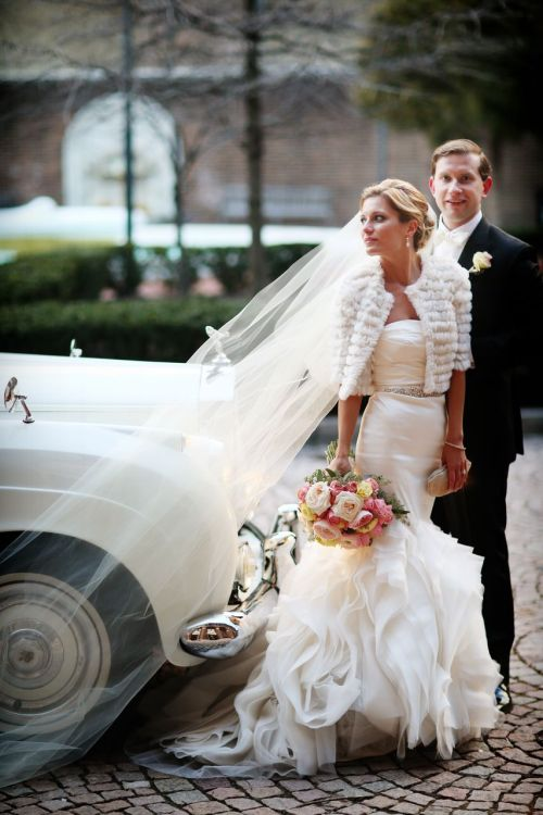 The bride and groom arrive at the Penn Museum.  Photo credit: Alison Conklin Photography