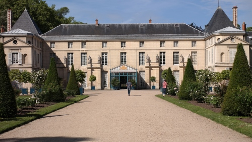 The elegant façade of the Chateau Malmaison, purchased against her husband's wishes by Josephine Bonaparte.