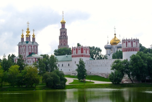 The very striking and beautiful Novodevichy Convent.