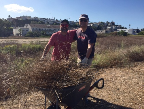 Penn Serves LA Restores Ballona Wetlands - smiles during break
