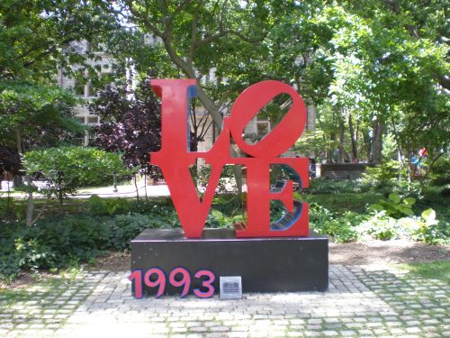 Penn 1993 at the Love statue University of Pennsylvania 25th reunion #93tothe25th