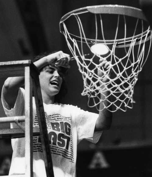 Uconn women Final Four 1991 cut down nets at Palestra