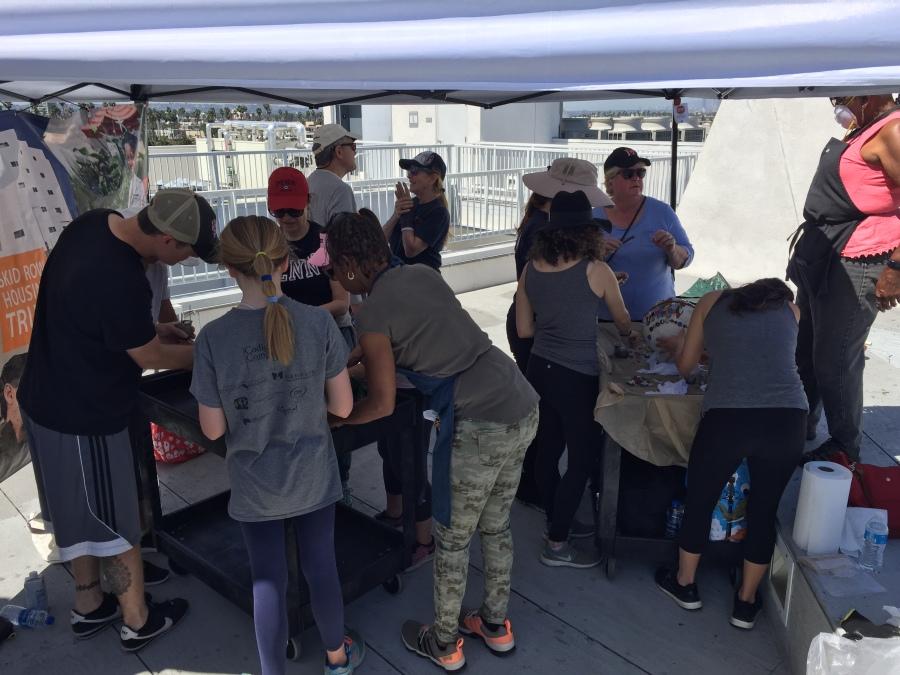 Penn Serves LA The Skid Row Housing Trust Los Angeles volunteering Piece by Piece mosaics