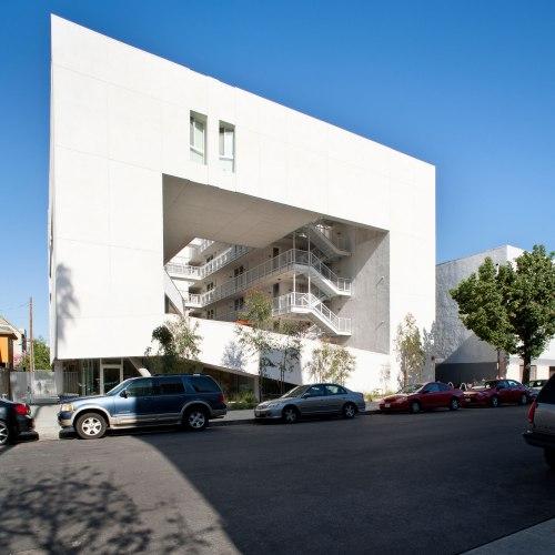 Penn Serves LA The Skid Row Housing Trust volunteering Los Angeles